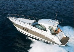 Cruisers Yachts 390 Express Coupe Diesel Motor Yacht Boat