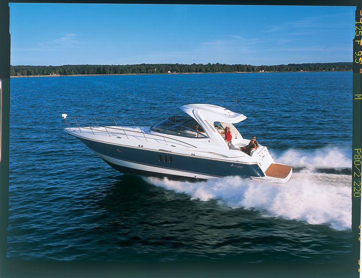 l_420_profile_running_boat_lr