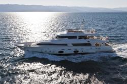 2013 - Custom Line Yachts - Navetta 33 Crescendo