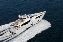 2013 - Custom Line Yachts - CL 100-