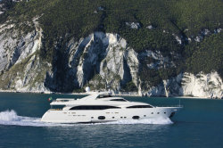 2013 - Custom Line Yachts - CL 112- Next