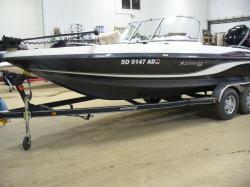 2016 - Stratos Boats - 326 XF