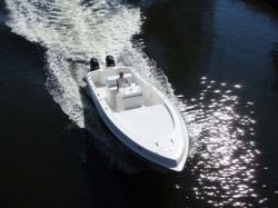 2009 - Dusky Boats - 33 FC
