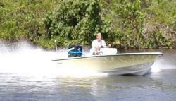 2011 - Dusky Boats - Dusky 18 R
