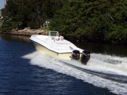 2014 - Dusky Boats - 33 FC
