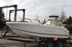 2018 - Robalo Boats - R180