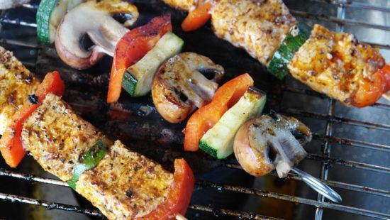 l_barbecue-bbq-cooking-111131-550x3