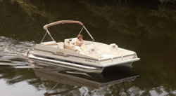 2014 - Fiesta Boats - 16- Sunfisher Center Console