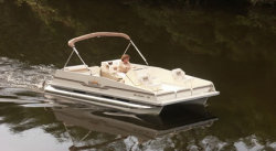 2014 - Fiesta Boats - 18- Sunfisher Center Console