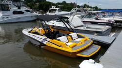 2017 - Glastron Boats - GTS 187