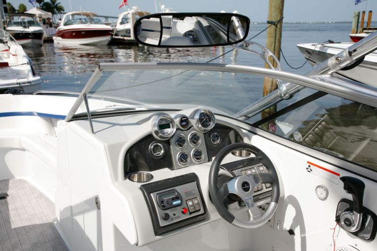 com_formulaboats2009_ssp_director_p5