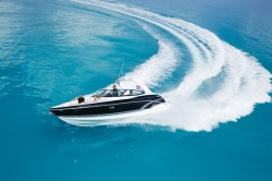 2017 - Formula Boats - 330 Crossover Bowrider