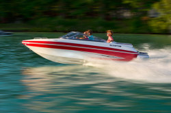 2011 - Glastron Boats - GT 185