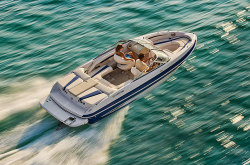 2011 - Glastron Boats - GT 225