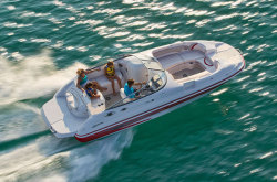 2011 - Glastron Boats - DX 235 DB