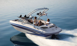 2012 - Glastron Boats - GLS 215