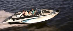 2016 - Glastron Boats - GTSF 205