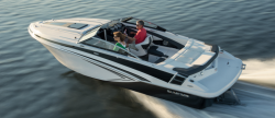 2017 - Glastron Boats - GT 229