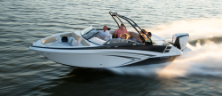 2017 - Glastron Boats GT 240