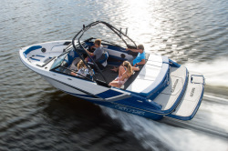 2018 - Glastron Boats - GTS 205