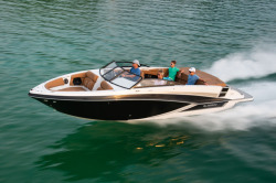 2020 - Glastron Boats - GT 245