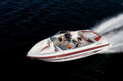 Glastron Boats GT 185 Bowrider Boat