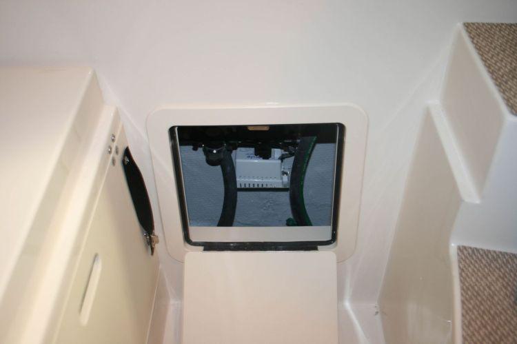 l_2_cabin_storage_-_aft_compartment