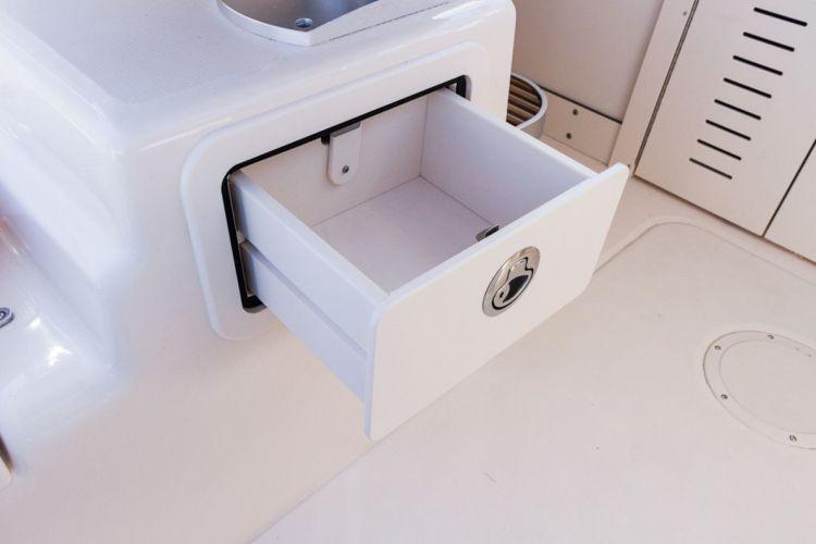 l_3_cockpit__deck_storage_-_tackle_drawers