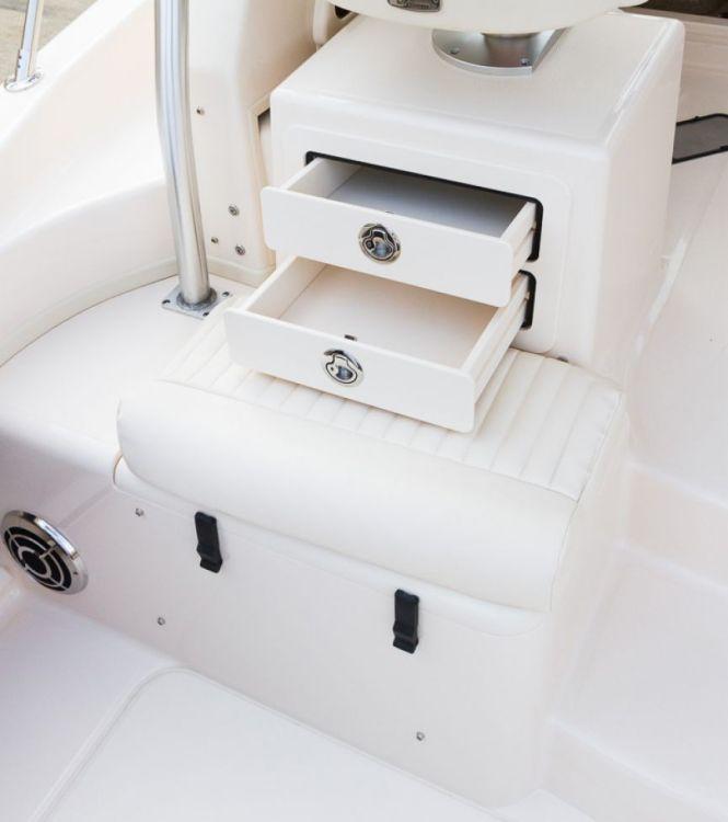 l_3_cockpit__deck_storage_-_tackle_drawers_under_companion_seat