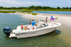 2015 - Grady-White Boats - Freedom 225