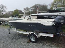 2017 - Robalo Boats - R160