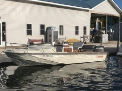 1984 - Boston Whaler Boats - 22 Outrage Cuddy