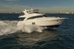 2018 - Hatteras Yachts - M60