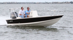 2013 - Hewes Boats - Redfisher 18
