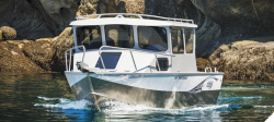 2017 Hewescraft 240 Pacific Cruiser