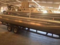 2015 - - Fishin' Barge 22 DLX