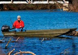 2018- Tracker Boats - Topper 1436 Riveted Jon