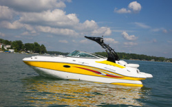 2011 - Hurricane - SunDeck SD 2200 IO
