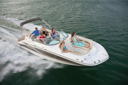 2015 - Hurricane Deck Boats - SD 2400 IO