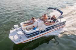2016 - Hurricane Deck Boats - FunDeck FD 226 F OB