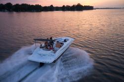 2016 - Hurricane Deck Boats - SS 201 IO
