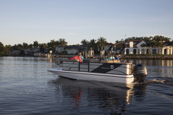 2018 - Hurricane Deck Boats - FD 216F OB