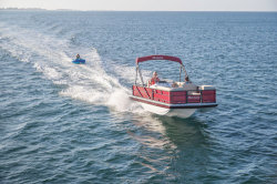 2018 - Hurricane Deck Boats - FD 196 OB