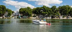 2020 - Hurricane Deck Boats - SD 2400 IO