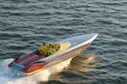 2017 - Hustler Powerboats - 39 Rockit