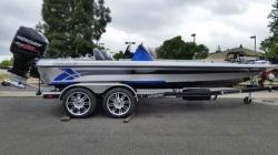2017 - Legend Boats - V-20