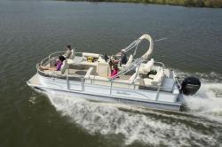 2017 - Sun Chaser Boats - 8522 4-PT EXP