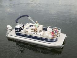 2017 - Sun Chaser Boats - 8522 Cruise EXP