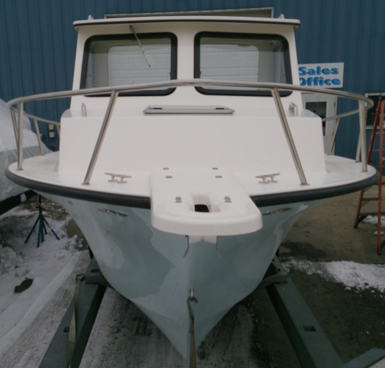 May-Craft 2550 Pilot XL with Evinrude 250hp Etec engine for Sale in