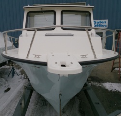 May-Craft 2550 Pilot XL with Evinrude 250hp Etec engine